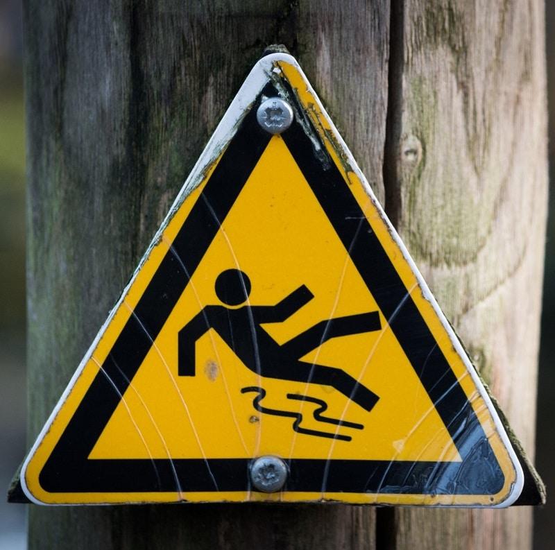 Odpowiedzialność za skutki wypadku w związku z nienależytym utrzymaniem terenu – Adwokat Opole